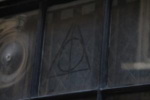 Deathly Hallow symbol
